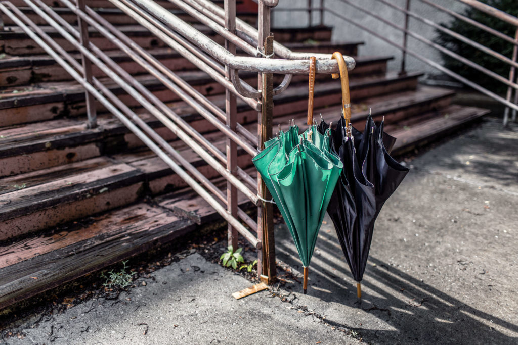 Free-Urban-Background-Images-Umbrella-and-Stairs-by-Gratisography
