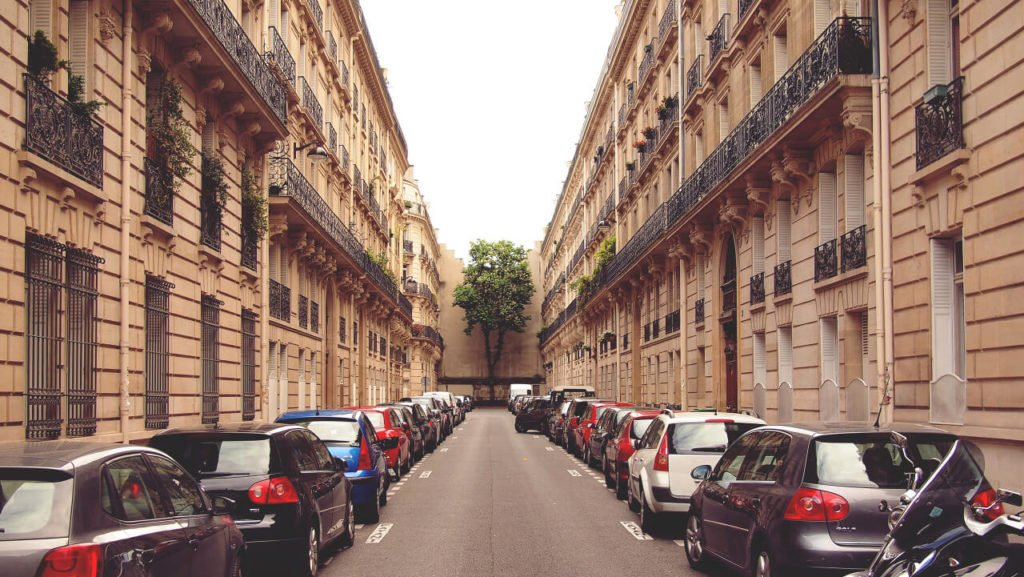 Free-Urban-Background-Images-Street-in-Paris-by-Epicantus