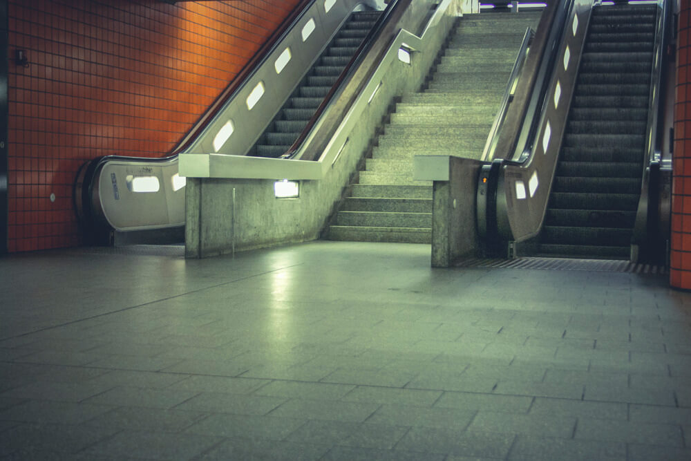 Free-Urban-Background-Images-Metro-Subway-by-Raumrot